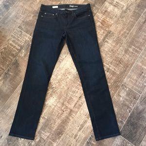 Gap Jeans real straight Dark wash size 28R